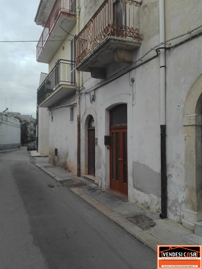 Appartamento in vendita a Acquaviva delle Fonti, 3 locali, prezzo € 100.000 | CambioCasa.it