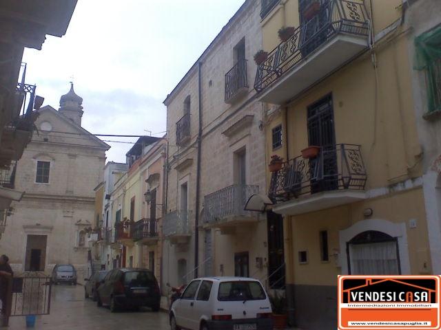 Vendita case indipendenti adelfia casa d 39 epoca 3 vani for Case d epoca