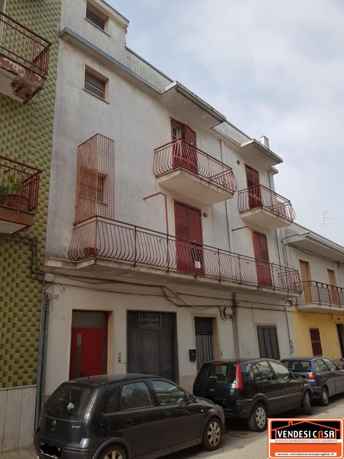 Appartamento in vendita a Acquaviva delle Fonti, 4 locali, prezzo € 68.000 | CambioCasa.it