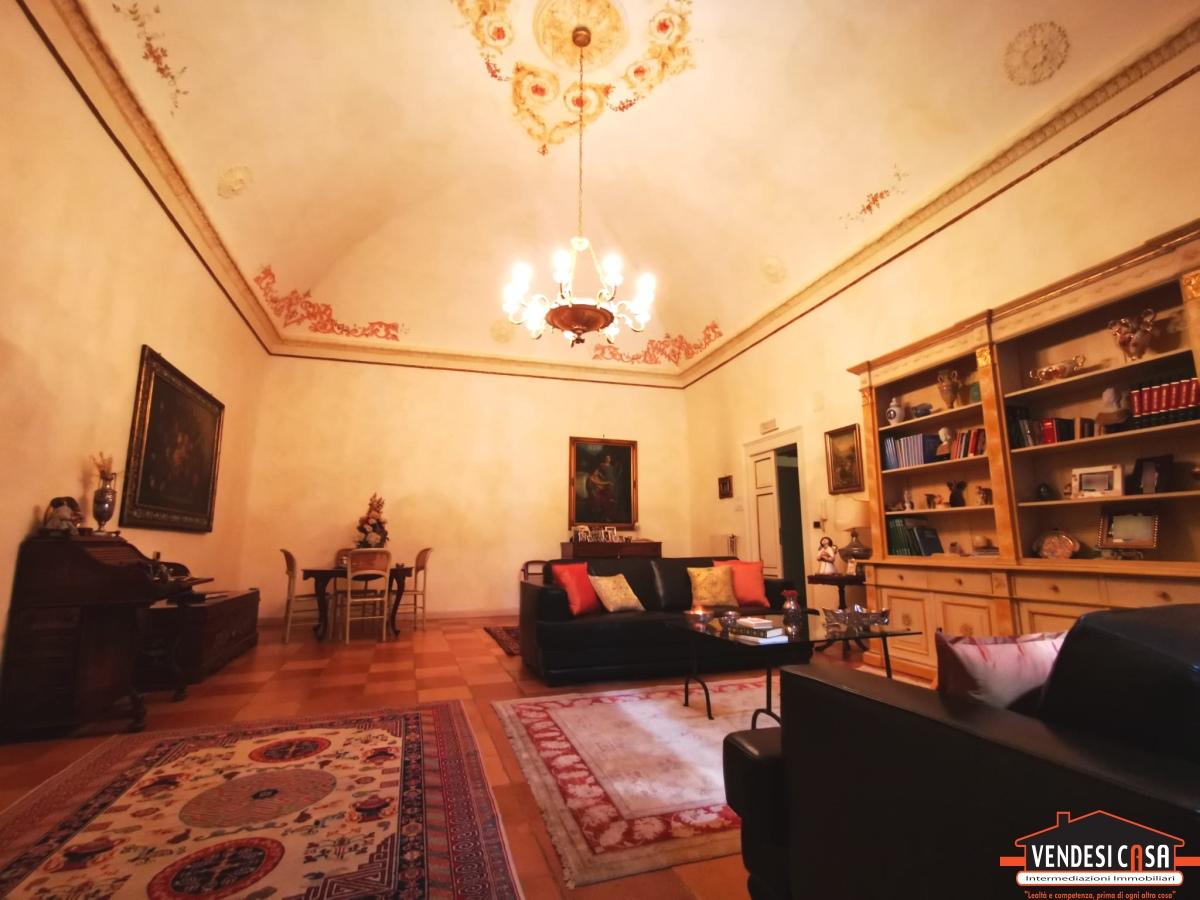 Soluzione Semindipendente in vendita a Adelfia, 5 locali, prezzo € 410.000 | CambioCasa.it